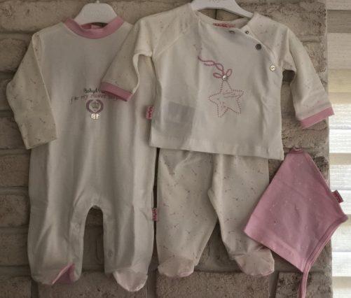 kiz-bebek-hastane-cikisi